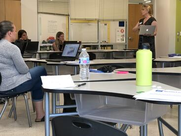 BetterLesson Coach, Cheryl Belknap facilitate a break out session during the Design Studio